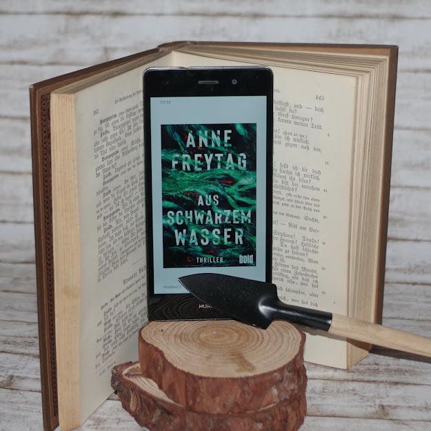 [Books] Anne Freytag - Aus schwarzem Wasser