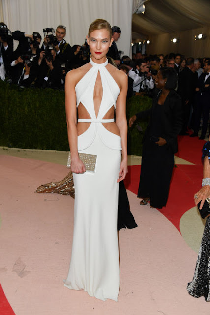 Karlie Kloss  Carpete vermelha Red carpet: As mais bem vestidas na Met Gala 2016