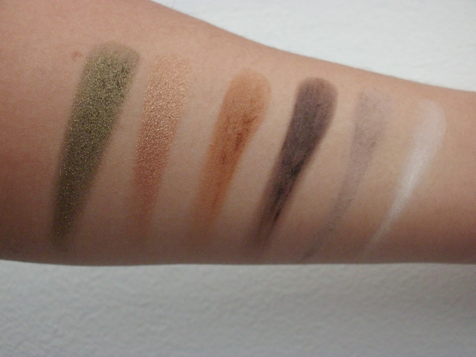 Nabla Cosmetics, Camelot, Antique White, Caramel, Glitz, Fossil, ExtraVirgin, Liberty Six, Review, Swatch