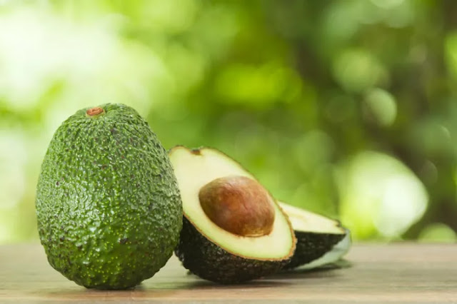 What Is Avocado and What Are the Advantages and Disadvantages of Eating It?