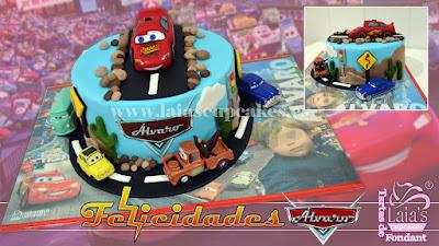 Tarta personalizada de fondant cars rayo mcqueen Laia's Cupcakes Puerto Sagunto