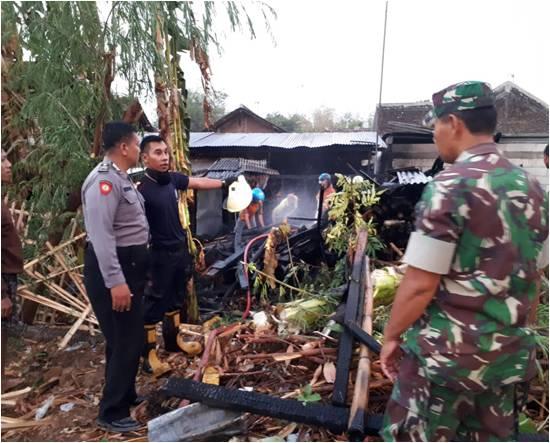 Gara-gara Masak Air Ditinggal Mandi, Bangunan Dapur Ludes Dilalap Api