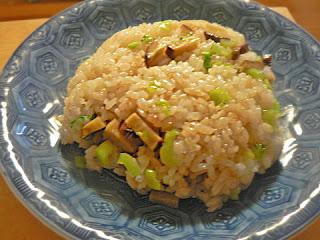 いぶりガッコと小松菜のチャーハン