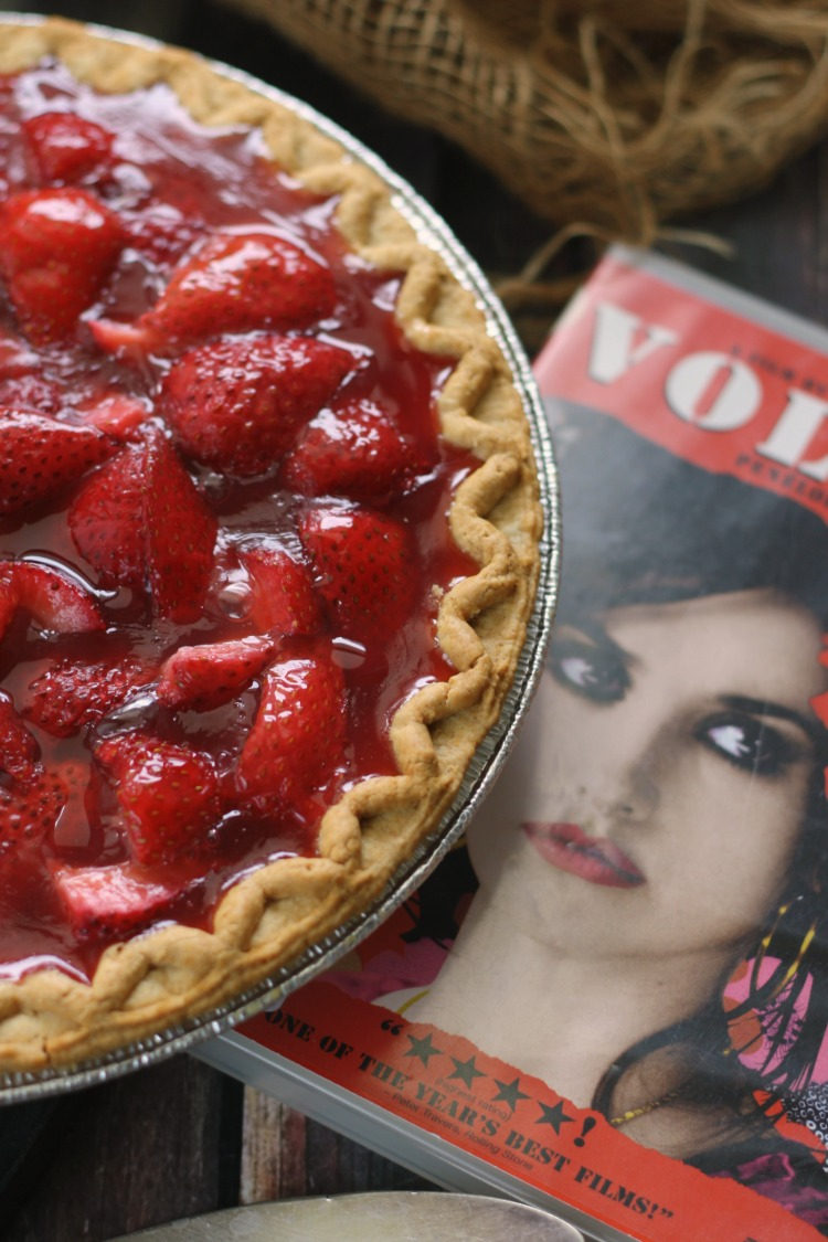 Blood Red Strawberry Pie | Volver #FoodnFlix
