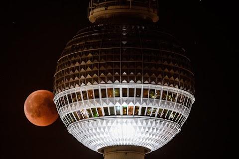 Ötven éve avatták fel a berlini tévétornyot