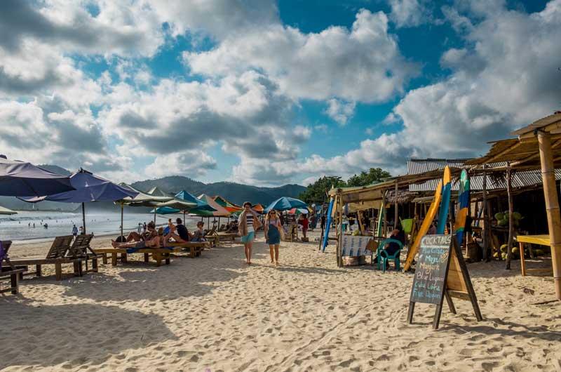 Fasilitas Pantai Selong Belanak Lombok