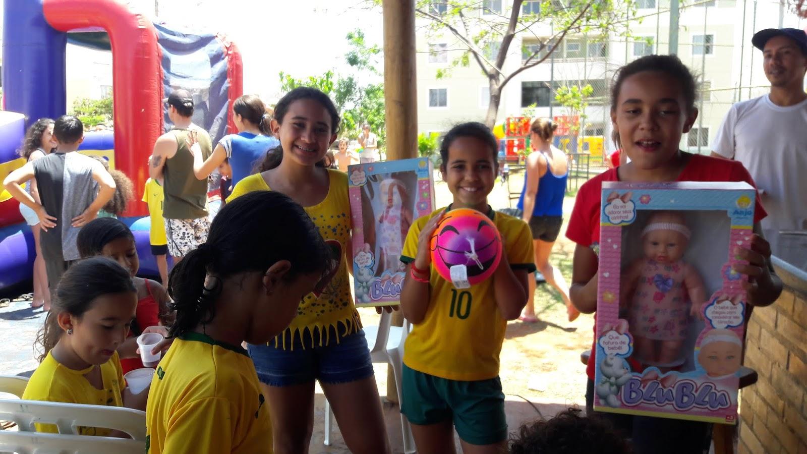 20181012 111055 - 12 de outubro teve festa para as crianças no Jardins Mangueiral