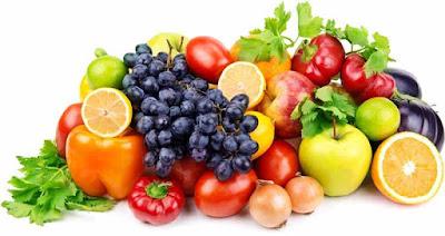 Buah dan sayuran merupakan sumber vitamin dan mineral