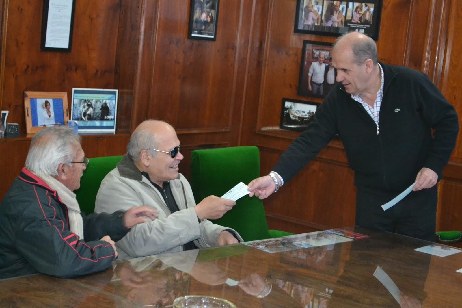 Oficina de prensa municipalidad de pehuajo pablo javier for Oficina 0182