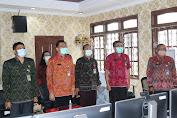 PLH. Bupati I Gede Susila Ikuti Peresmian Penggunaan Kain Tenun Endek Bali