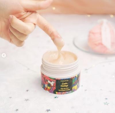 Tekstur Innisfree Jeju Orchid Enriched Cream