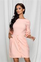 Rochie Merlina roz cu nasturi pe fusta si maneci evazate •