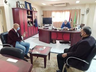 وكيل وزارة الصحة بالشرقية يكرم رئيس الغرفة التجارية بالمحافظة علي دعم الصحة