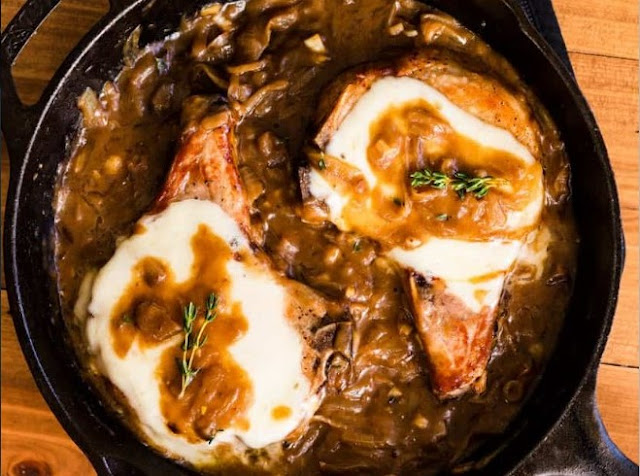 One Pan French Onion Smothered Pork Chops #pork #dinner