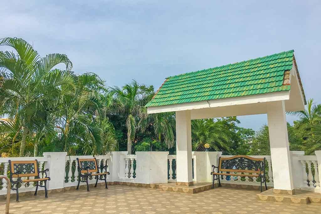 infinity beach house ecr for rent