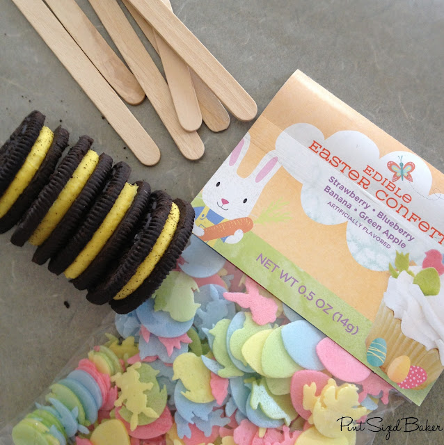 Candy Dipped Oreos with Edible Easter Confetti and Sprinkles by www.pintsizedbaker.com