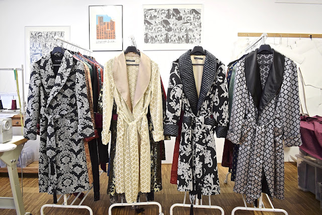 mens black gold silk dressing gown paisley robe smoking jacket quilted floor length vintage style housecoat