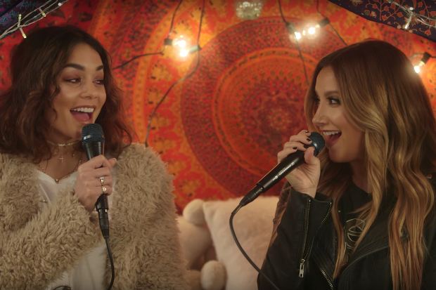Video: Vanessa Hudgens y Ashley Tisdale - 'Ex's & Oh's'