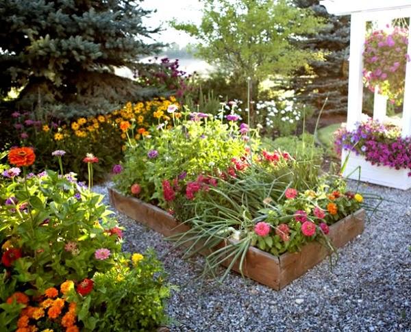 Crear un jard n con bancales elevados guia de jardin for Tierra para jardin