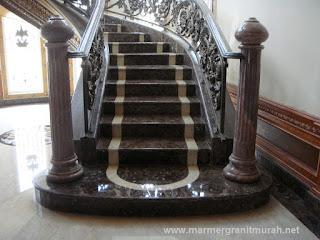 contoh trap tangga lantai marmer dark emperador
