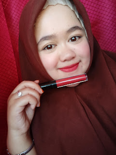 lipcream_implora_03_dark_berry