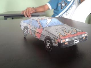 carro terminado usando moldes de papel.