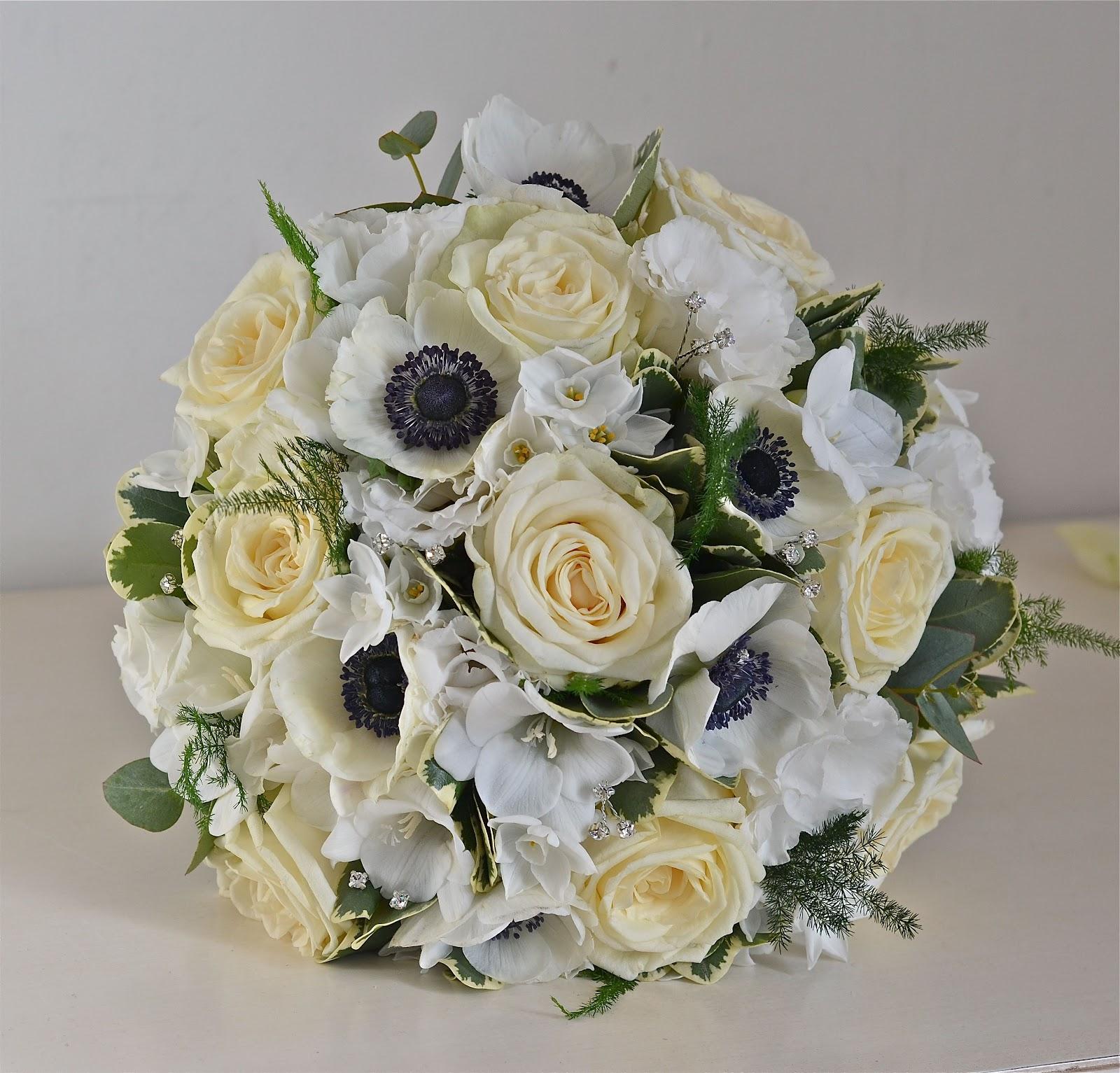 Wedding Flowers In February: Wedding Flowers Blog: Rachels's Vintage Wedding Flowers