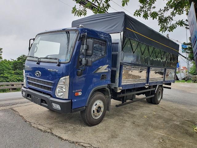 Xe tải Hyundai Mighty EX8 thùng mui bạt