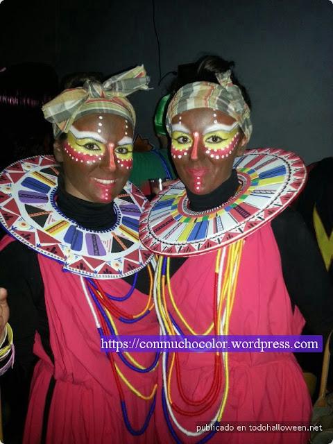 detalle del maquillaje y vestimenta disfraz masai