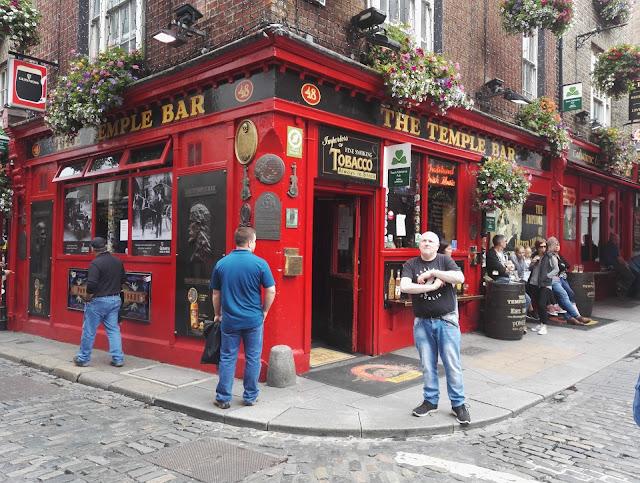Dublin Temple Bar lasten kanssa