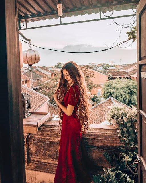 """Chuyện tình 5 năm đi khắp thế gian của """"hot girl tóc mây"""" gốc Việt"""