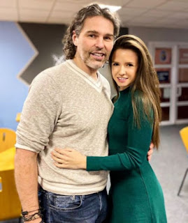 Jaromr Jgr And His Girlfriend Dominika Branisova