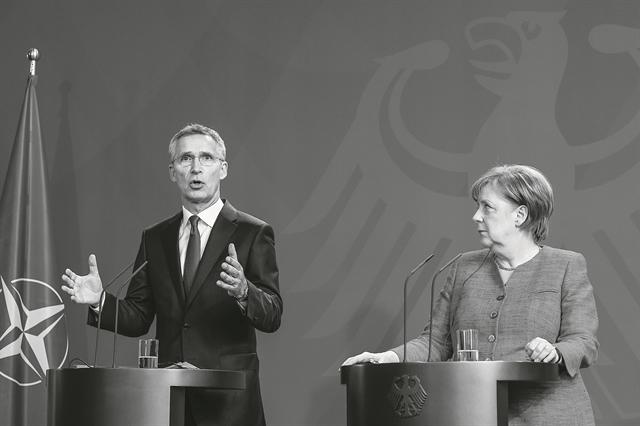 Ο ρόλος Μέρκελ και ΝΑΤΟ και οι πιέσεις για διάλογο