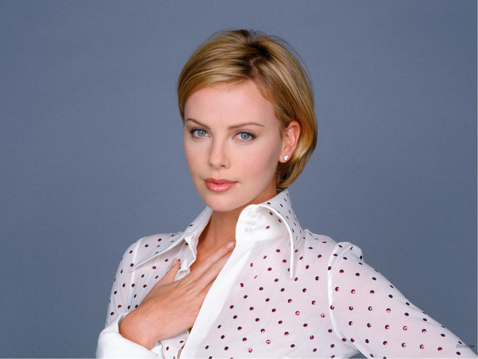 Charlize Theron Sexy Images