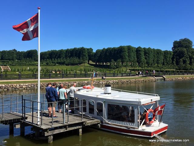 paseo en barca en frederiksborg