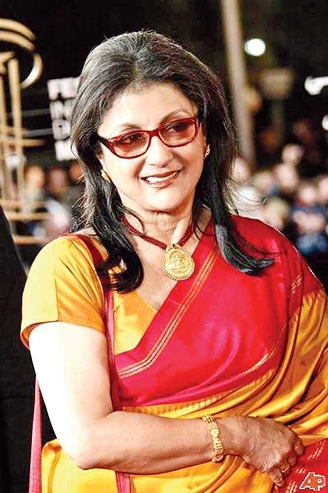 অপর্ণা সেন শুধু ভালোবেসেই সিনেমা করেন না, তিনি ঘর করেন চলচ্চিত্রের সাথে