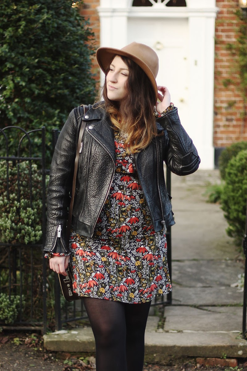 Topshop winter floral dress | www.itscohen.co.uk
