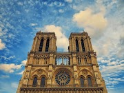 Best Things in Paris [Eiffel Tower & Notre-Dame Cathedral]