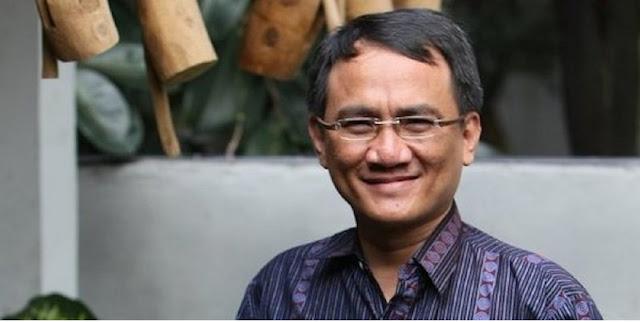Andi Arief: Selama Ulang Tahun Pak Jokowi, Jangan Pernah Berniat Menambah Waktu Berkuasa