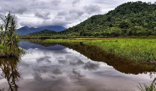 Perjalanan Menantang Ke Danau Serantangan Di Kota Singkawang
