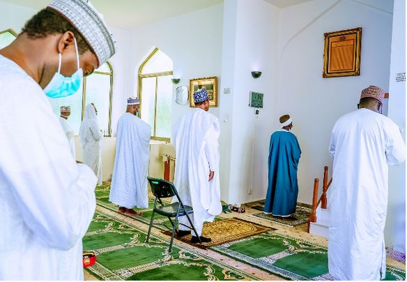 Check how Buhari prayed with swag as Aso Rock villa Opens #Arewapublisize
