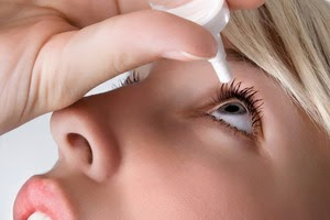 Tips Menggunkan Obat Tetes Mata yang Aman