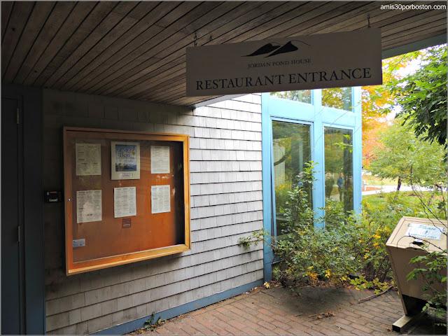 Entrada al Jordan Pond House en el Parque Nacional Acadia, Maine