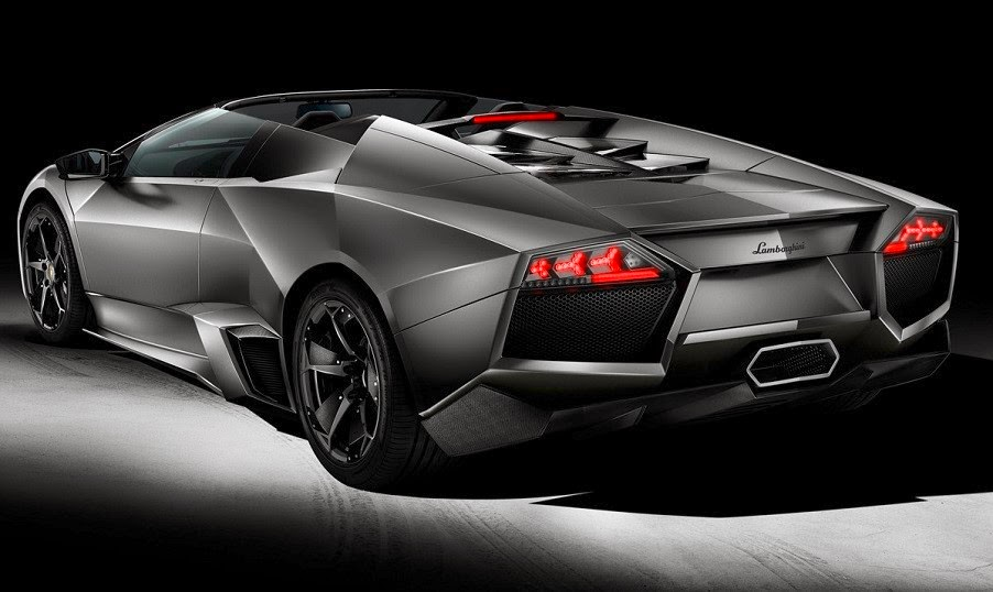Lamborghini Reventon rear photo