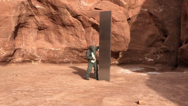 Monolito misterioso encontrado no deserto dos EUA desaparece