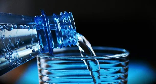 لهذا السبب يجب تجنب شرب الماء بعد تناول الفاكهة