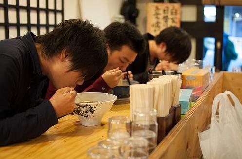 Inilah Tata Cara Makan Beberapa Negara Di Dunia