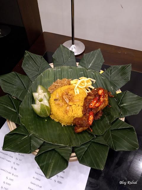 Medan Fusion Culinary 3: Melihat Langsung Event Kuliner di Hotel Santika Premiere Dyandra - Menu 01