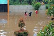 Ringkuangan Tampung Mahasiswa Sekolah Tinggi Teologi RMK Yang Dilanda Banjir