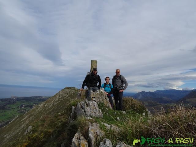 Sierra de la Cueva Negra: Pico Bacia